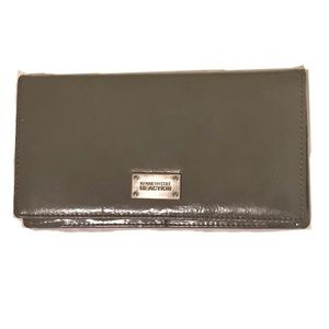 Kenneth Cole Reaction gray patent leather wallet